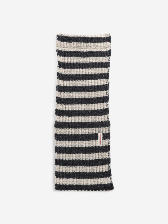 Stripped knitted neck warmer